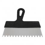 Шпатель KT-2258 INTERTOOL изготовлен из нержавеющей стали, имеет прямоугольное полотно с квадратным зубом 8*8 мм шириной 250 мм. Эргономичная пластиковая рукоятка обеспечивает надежный захват инструмента в руке. Предназначен для нанесения клеевых и цементных и других густых растворов на керамическую плитку, натуральный камень, при проведении облицовочных работ. Легок и удобен в применении.