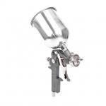 Краскораспылитель пневматический INTERTOOL PT-0205 изготовлен с использованием технологии НР (High Pressure — высокое давление при малом расходе воздуха). Данный краскораспылитель комплектуется верхним металлическим бачком объемом 600 мл. Размер форсунки краскораспылителя РТ-0205 составляет 1,5 мм, а расход воздуха 130-190 л/мин. Рабочее давление агрегата достигает 5 атм. Покрасочный пистолет INTERTOOL PT-0205 оптимально подходит для проведения покрасочных работ при которых не требуется идеальное нанесение...