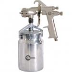Краскопульт пневматический INTERTOOL PT-0222 отличный помощник при проведении несложных покрасочных работ. Его можно использовать с большиством типов ЛКМ. Бачок ёмкостью1000 мл у РТ-0222 имеет нижнее расположение и изготовлен из металла. Диаметр форсунки на данной модели составляет 1,8 мм, а расход воздуха – 130-190 мл. Рабочее давление достигает 5 атм. Покрасочный пистолет INTERTOOL PT-0221 оптимально подходит для выполнения покрасочных работ, где качество нанесения не играет роли, но важна скорость и...