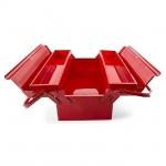 Ящик для инструментов ТМ INTERTOOL HT-5043 двухуровневый металлический, окрашенный. Состоит из одного большого и двух малых боксов. Длина ящика – 450 мм. Оснащен двумя металлическими ручками для переноски. Удобная система доступа к содержимому – малые боксы разъезжаются в стороны, обеспечивая полный обзор внутреннего пространства боксов.