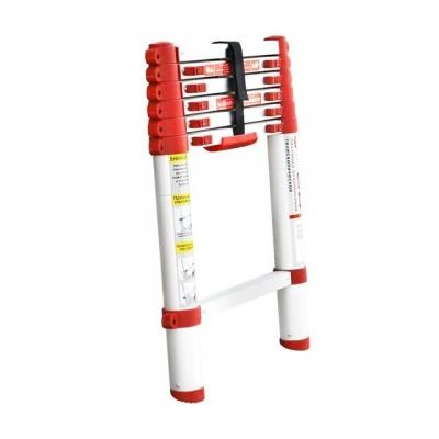 Лестница алюминиевая телескопическая LT-3020 TM INTERTOOL оснащена 6 нескользящими рифлеными ступенями шириной 300 мм, а также надежно закрепленными замками-фиксаторами. Противоскользящие опорные заглушки препятствуют нежелательному скольжению лестницы. Высота лестницы в разложенном виде 2000 мм, выдерживает нагрузку до 150 кг. В сложенном виде высота составляет 615 мм. Есть ручка для переноски. Алюминиевая лестница компактна, удобна при транспортировке и хранении. Соответствует европейскому стандарту...