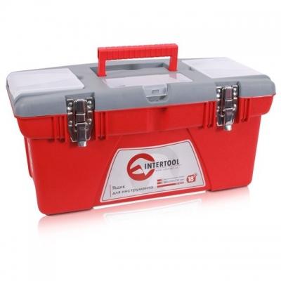 Ящик для инструмента BX-0518 с металлическими замками INTERTOOL. Ящик для инструмента имеет прочный корпус, металлические замки и дополнительные боксы на верхней крышке для хранения мелких деталей. Ящик имеет классическую форму прямоугольника, что позволяет максимально компактно размещать инструмент внутри. А также, максимально эффективно использовать его при транспортировке. Ящик имеет верхний съемный лоток, для переноса небольшого ручного инструмента или расходного материала. Размеры ящика: 480*250*230 мм. Данный ящик можно купить отдельно, а можно заказать и в комплекте. Этот ящик входит в комплект ящиков для инструмента BX-0502.