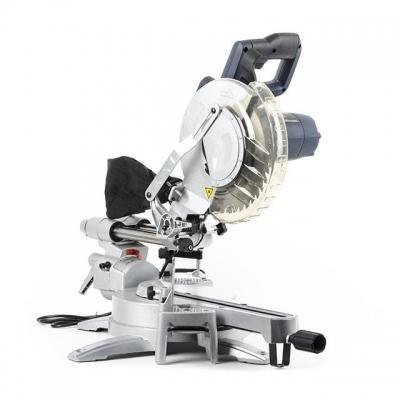 Торцовочная пила DT-0625 используется для реза деталей из дерева, пластика или алюминия, станет полезнейшим инструментом как в производственном цеху, так и в арсенале домашнего мастера.  Особенности торцовочной пилы DT-0625: Мощный двигатель: 1800 Вт Возможность протяжки режущего элемента (180 мм) Литой алюминиевый стол для заготовок Лазерный указатель линии реза Съемные расширители стола Фиксационная струбцина Сборник для пыли