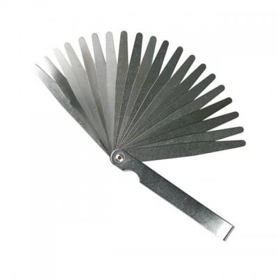 Щуп INTERTOOL AT-0002предназначендля точного измерения зазора между образующими либо поверхностями, обладающими криволинейной формой. Щупы представляют собой латунные пластины. Всего — 20 сегментов толщиной от 0,05 до 1,0 мм. Особенности Толщина сегмента:0,05–1,0 мм; Материал — латунь; Удобен для измерения зазоров, например, в клапанах или свечах;  Размеры: 0,05 0,10 0,15 0,20 0,25 0,30 0,35 0,40 0,45 0,50 0,55 0,60 0,65 0,70 0,75 0,80 0,85 0,90 0,95 1,00