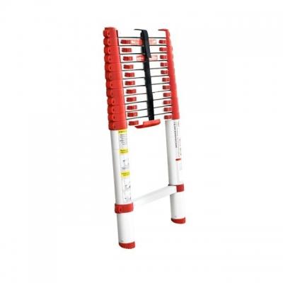 Лестница алюминиевая телескопическая LT-3038 TM INTERTOOL оснащена 12 нескользящими рифлеными ступенями шириной 300 мм, надежно закрепленными замками-фиксаторами. Противоскользящие опорные заглушки препятствуют нежелательному скольжению лестницы. Высота лестницы в разложенном виде 3800 мм, выдерживает нагрузку до 150 кг. В сложенном виде высота 730 мм, есть ручка для переноски, компактна, удобна при транспортировке и хранении. Соответствует европейскому стандарту EN131. Особенности Очень компактная в сложенном виде, удобная для перевозки; Небольшой вес; Есть ручка для переноски; Нескользящие рифленые ступени;