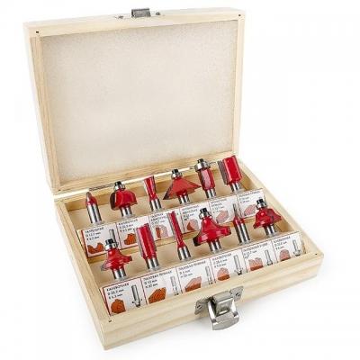 Фрезы представляют собой инструмент с одним или несколькими режущими лезвиями и предназначены для фрезерования, выборки пазов разной формы, выполнение шпоночного паза и др. Фрезерование – это процесс механической обработки материала фрезой, которая вращается вокруг своей оси с большой скоростью и имеет либо напаянные (механически установленные), либо выполненные из цельного материала ножи. Набор HT-0071 подобен набору фрез HT-0073 по разновидностям полотен, находящихся в этих наборах. Только набор HT-0071...