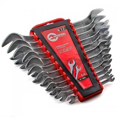 INTERTOOL HT-1003 — это набор из двенадцати качественных рожковых ключей. Размерная линейка — от 6 до 32 мм. Рожковые ключи являются одними из наиболее популярных, поэтому пригодятся как на автосервисе, так и дома, в гараже или на даче. Ключи поставляются в удобном пластиковом держателе с отверстием для подвешивания. Надежность и долговечность изделий обеспечивает материал изготовления— хром-ванадиумная сталь. Её физические и химические свойства обусловливают высокую устойчивость к механическим нагрузкам,...