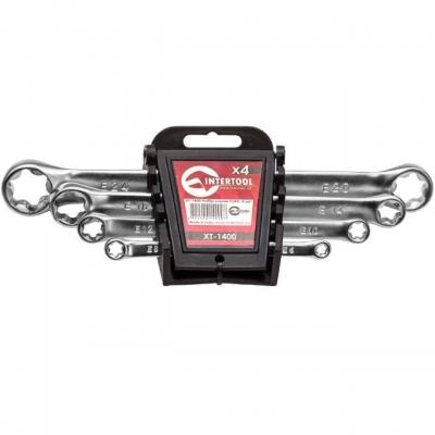 INTERTOOL XT-1400 — это набор из 4 накидных TORX-ключей. Размерная линейка набора — T6-T8, T10-T12, T14-T18, T20-T24. Каждая сторона ключа имеет собственный размер. Ключи изготовлены из хром-ванадиевой стали. Её физические и химические свойства обуславливают высокую устойчивость к механическим нагрузкам, коррозионную стойкость и твердость. Кроме того, эта легированная сталь обладает благоприятным модулем упругости. Удобная форма рукоятки ключа обеспечивают оптимальные условия для приложения усилия. Ключи...