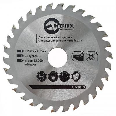 Диск пильный по дереву INTERTOOL CT 3013 рассчитан на работу болгарками (УШМ), а также дисковыми пилами. Благодаря применению качественной инструментальной стали и высокоточного припоя зубьев, такие диски отличаются высокими эксплуатационными показателями. Сами зубья – изготавливаемые из крайне твердого сплава с точной алмазной шлифовкой. Зубья диска имеют чередующийся наклон, что обеспечивает точность и чистоту пропила. Такие диски можно использовать и для продольного, и для поперечного распила древесины...